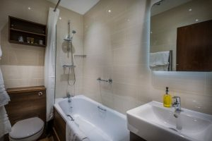 OldBridge_Room_16_Bathroom