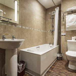 Room 34 Deluxe Double Bathroom